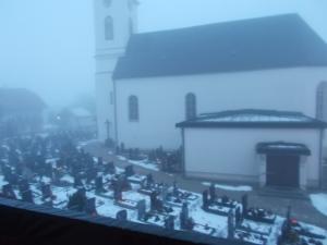 Kalt, Nebel, Friedhof - Guten Morgen!