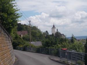Es geht zur Burg Forchtenstein.