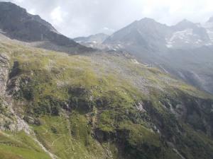 Bergab, bergauf zur Kasseler Hütte.