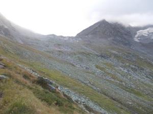 Beginn der Kesselwanderung. Nach links oben gehts zum Östlichen Stillupkees und weiter zum Stangenjoch oder Keilbachjoch.